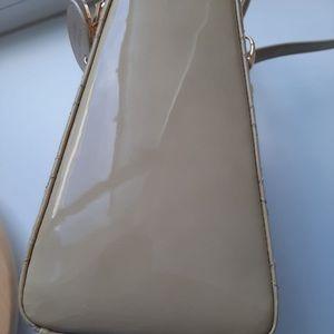 Dior Bags - Dior lady Dior medium patent beige gold